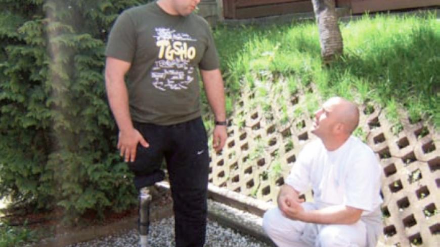 """""""O persoană cu dizabilităţi poate avea şi multe avantaje""""-povestea lui Șerban Iulian"""